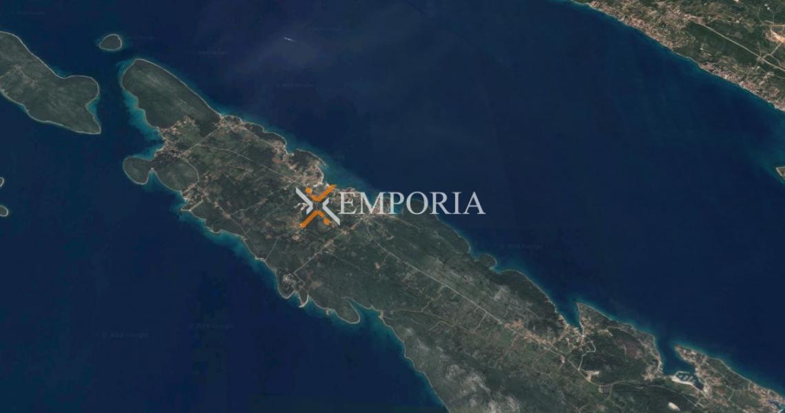 Građevinsko zemljište L199 – Otok Ugljan, Ugljan