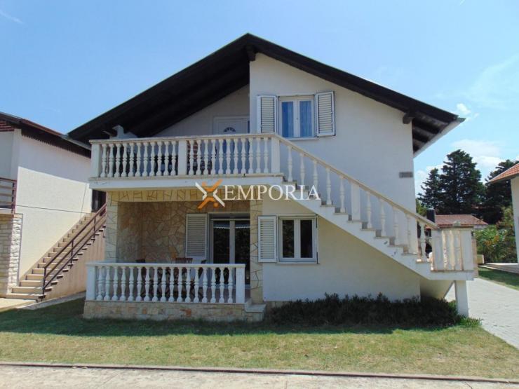 Kuća H332 – Privlaka, Sabunike