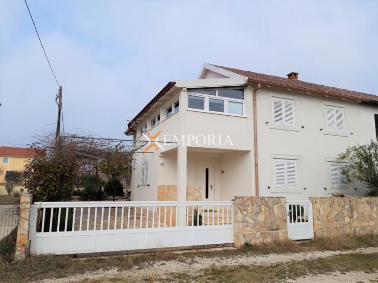 Kuća H368 – Privlaka