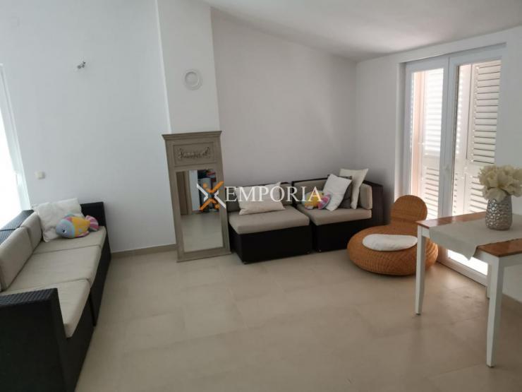Apartman A490 – Ražanac, Rtina