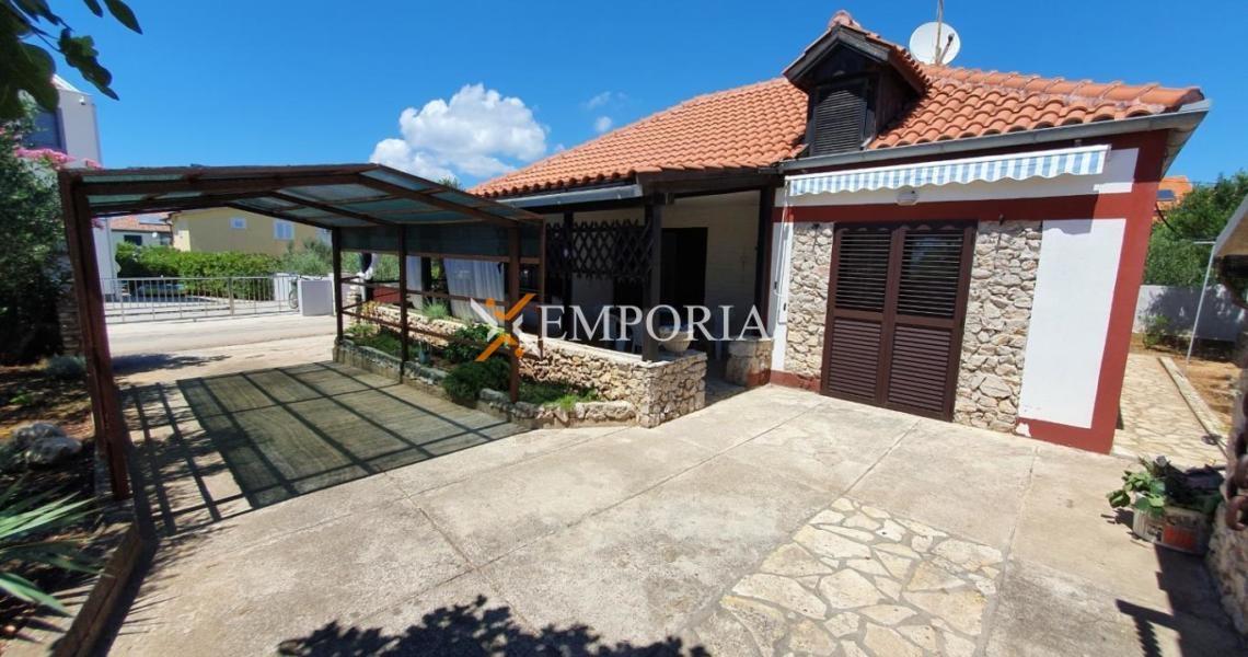 Kuća H442 – Privlaka
