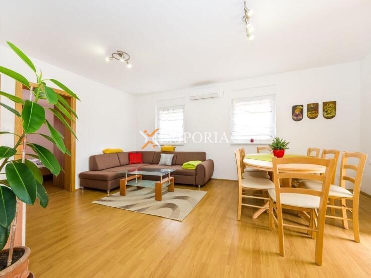 Apartman A641 – Otok Ugljan, Preko