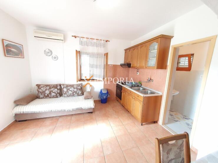 Apartman A645 – Otok Ugljan, Preko